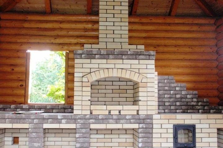 Барбекю комплекс с элементами кирпича ручной формовки